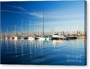 Canvas Print featuring the photograph Gem Pier Of Williamstown by Yew Kwang