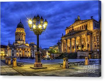 Gendarmenmarkt Berlin At Night Canvas Print by Colin Woods
