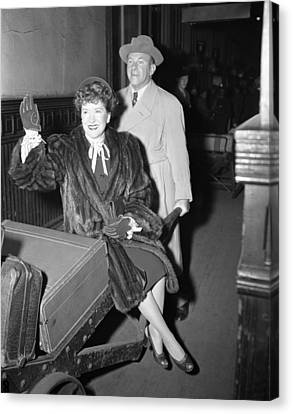 George Burns Carrying Gracie Allen Canvas Print by Retro Images Archive