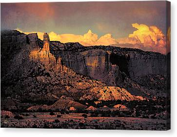 Georgia O Keefes Ghost Ranch House - Last Moments Of Sun Canvas Print by Douglas MooreZart
