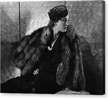 Gerda Sommerhoff Wearing Suzy And Black Starr Canvas Print by Edward Steichen