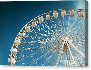 Giant Ferris Wheel Canvas Print by Carlos Caetano