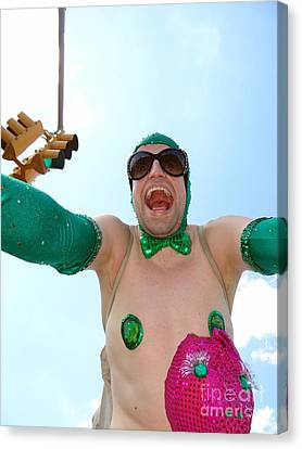 Canvas Print featuring the photograph Giant Smile by Ed Weidman