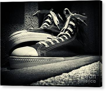 Giant Sneakers At Ripley's New York City Canvas Print by Sabine Jacobs