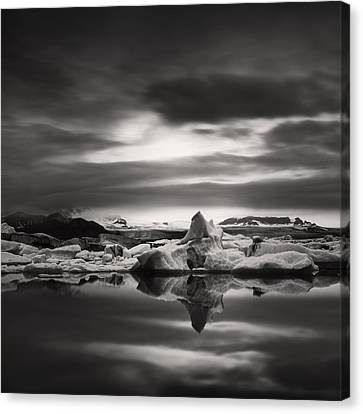 Canvas Print featuring the photograph Glacier Lagoon by Frodi Brinks