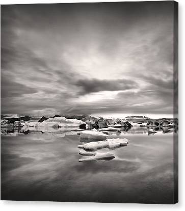 Glacier Lagoon II Canvas Print by Frodi Brinks