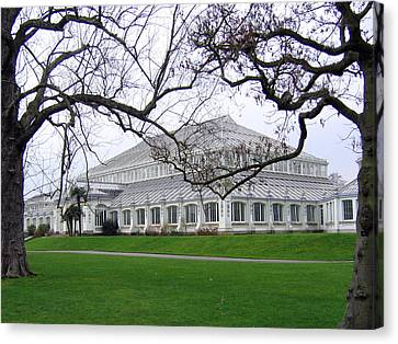 Glass House At Kew Gardens Canvas Print
