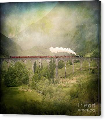Canvas Print featuring the photograph Glenfinnan by Roy  McPeak