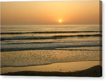 Golden California Sunset - Ocean Waves Sun And Surfers Canvas Print