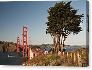 Canvas Print featuring the photograph Golden Gate Bridge 1 by Lee Kirchhevel