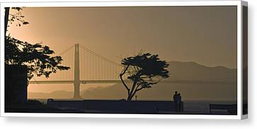 Golden Gate Lovers Canvas Print
