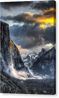 Golden Light On El Capitan Canvas Print by Mike Lee