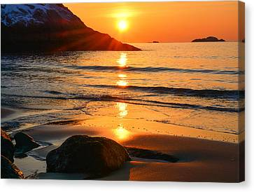 Golden Morning Singing Beach Canvas Print
