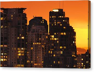 Canvas Print featuring the photograph Golden Orange Cityscape Dccc by Amyn Nasser