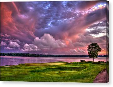 Golf The Landing At Reynolds Plantation Canvas Print by Reid Callaway