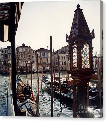 Gondoliere Canvas Print by Riccardo Mottola