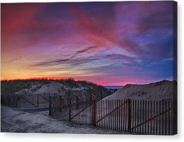 Good Night Cape Cod Canvas Print by Susan Candelario