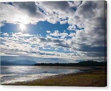 Canvas Print featuring the photograph Goose Bay Sunrays by Jan Davies