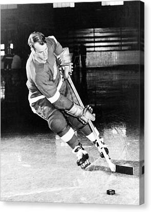 Hockey Canvas Print - Gordie Howe Skating With The Puck by Gianfranco Weiss