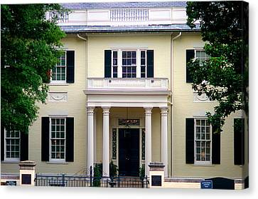 Canvas Print featuring the photograph Va Govenors Mansion Richmond Va by Suzanne Powers