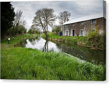 Grand Canal At Miltown Canvas Print by Ian Middleton