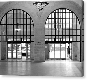 Canvas Print featuring the photograph Grand Central Arches Entrance by Dave Beckerman