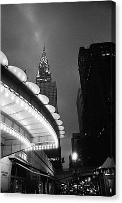 Canvas Print featuring the photograph New York City -grand Central Dawn by Dave Beckerman