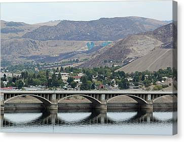 Canvas Print featuring the photograph Grand Coulee Dam  by E Faithe Lester