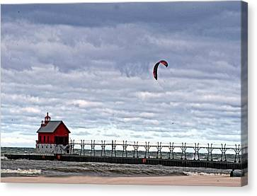 Grand Haven Lighthouse 2 Canvas Print by Cheryl Cencich