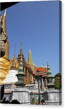 Grand Palace In Bangkok Thailand - 011317 Canvas Print by DC Photographer