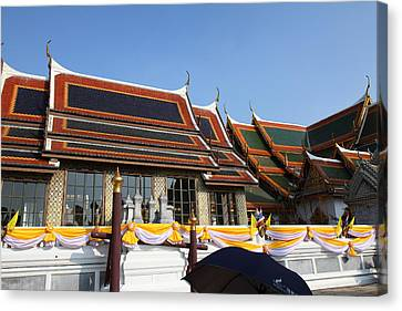 Grand Palace In Bangkok Thailand - 011337 Canvas Print by DC Photographer
