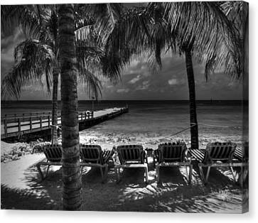 Grand Turk Vacation 001 Bw Canvas Print by Lance Vaughn