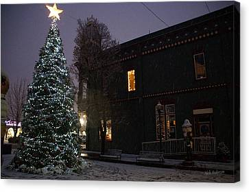 Grants Pass Town Center Christmas Tree Canvas Print by Mick Anderson