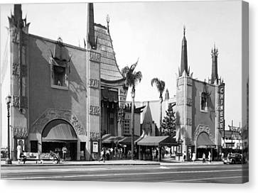 Grauman's Chinese Theater Canvas Print by Underwood Archives