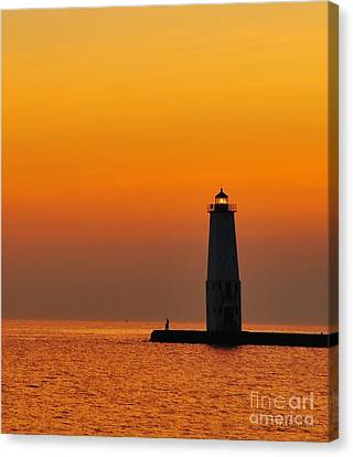 Great Lakes Lighthouse Canvas Print by Terri Gostola