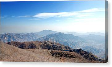 Canvas Print featuring the photograph Great Wall Of China - Mutianyu by Yew Kwang