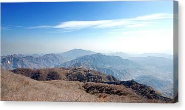 Great Wall Of China - Mutianyu Canvas Print by Yew Kwang