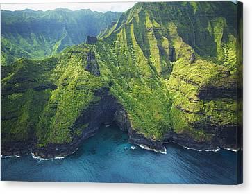 Green Kauai Cavern Canvas Print by Kicka Witte