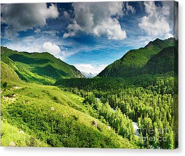 Green Mointain Canvas Print by Boon Mee