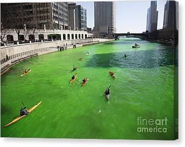 Green River Chicago Canvas Print by Martin Konopacki
