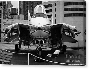 Grumman F14 On The Flight Deck Of The Uss Intrepid At The Intrepid Sea Air Space Museum Canvas Print by Joe Fox