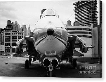 Grumman F14 Tomcat On The Flight Deck Of The Uss Intrepid At The Intrepid New York Canvas Print
