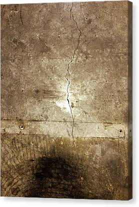 Grunge Wall Canvas Print by Les Cunliffe
