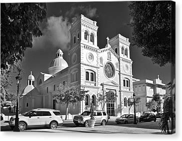 Guayama Church And Plaza B W 1 Canvas Print by Ricardo J Ruiz de Porras
