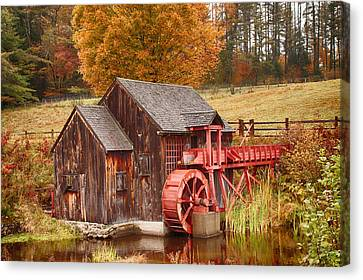 Canvas Print featuring the photograph Guildhall Grist Mill by Jeff Folger