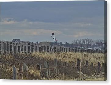 Gurnet Posts And Light Canvas Print