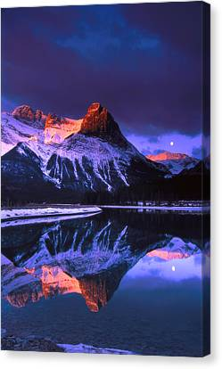 Ha-ling Peak And Full Moon Canvas Print