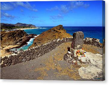 Canvas Print featuring the photograph Halona Blowhole Monument by Aloha Art