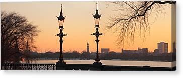 Hamburg Romance Canvas Print by Marc Huebner