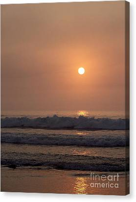 Hampton Beach In Morning Fog Canvas Print by Eunice Miller